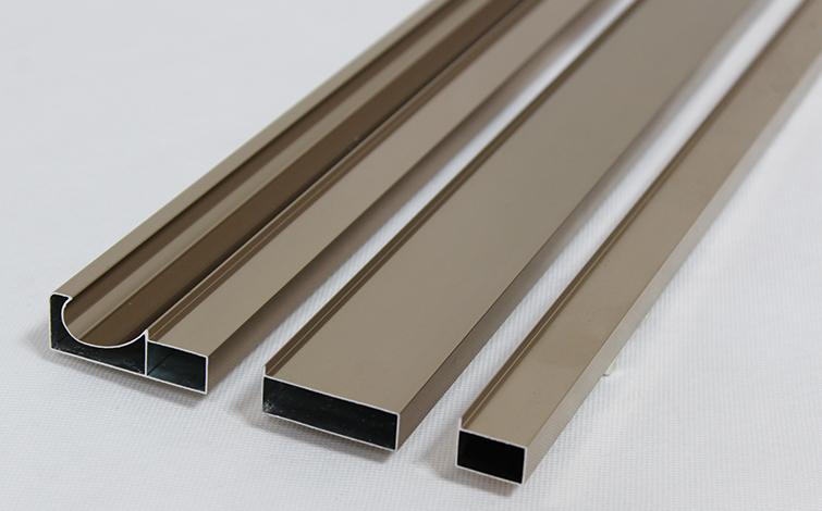 供应紧张致铝价飙升至2629美元/吨,接近三年来最高水平